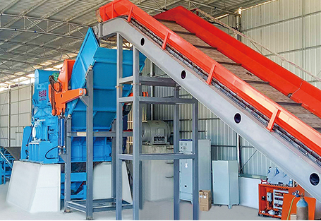 Waste steel crushing recycling production line