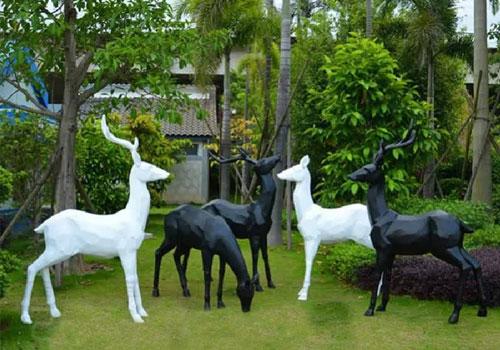 东莞玻璃钢雕塑