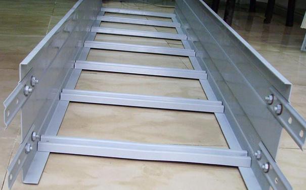 大跨距梯式橋架