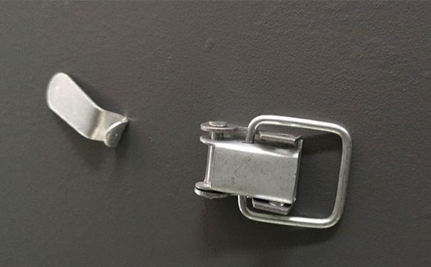 槽式橋架蓋板鎖扣