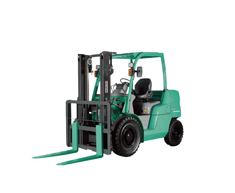 载重4000-5500kg四轮柴油-汽油平衡式叉车