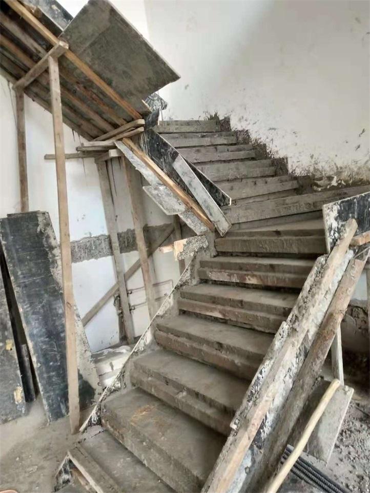 混凝土楼梯楼板制作现场