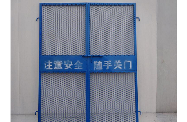 都匀施工电梯门厂家