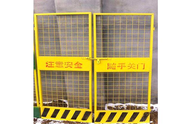 贵州施工电梯门