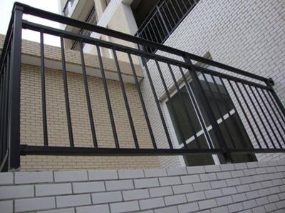 陽臺防護欄桿