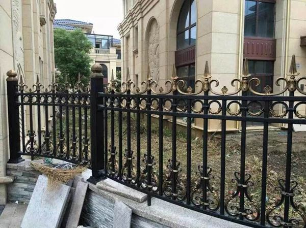鋁藝庭院欄桿