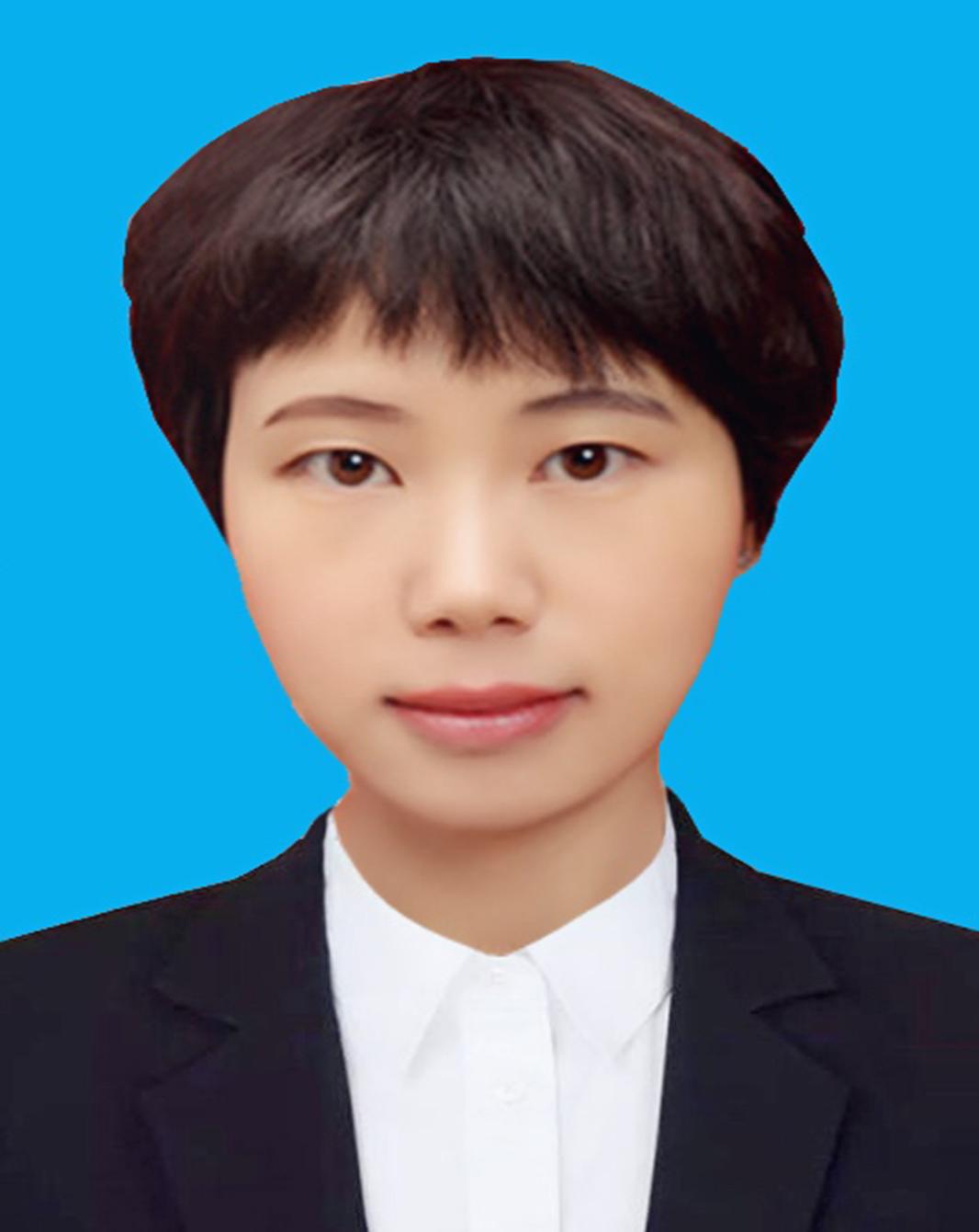 李云芳 实习律师