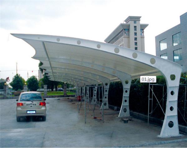 PVDF膜结构车棚比PTFE膜结构车棚价格低的原因是