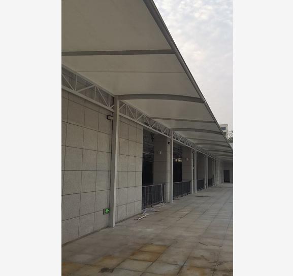 枣阳市高铁站地下车库连廊口膜结构