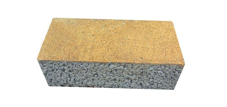 <h4>透水砖</h4> <p>透水、透气性能、可吸收水分与热量、雨后不积水,雪后不打滑</p>
