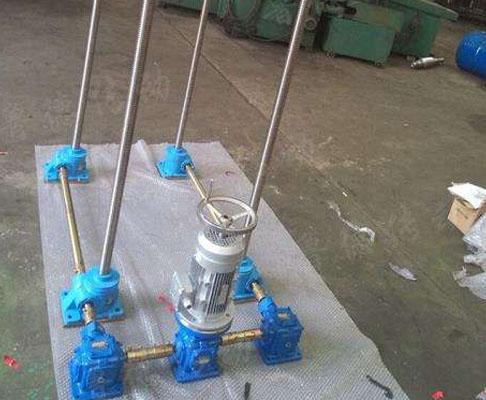 螺旋联动丝杆升降机