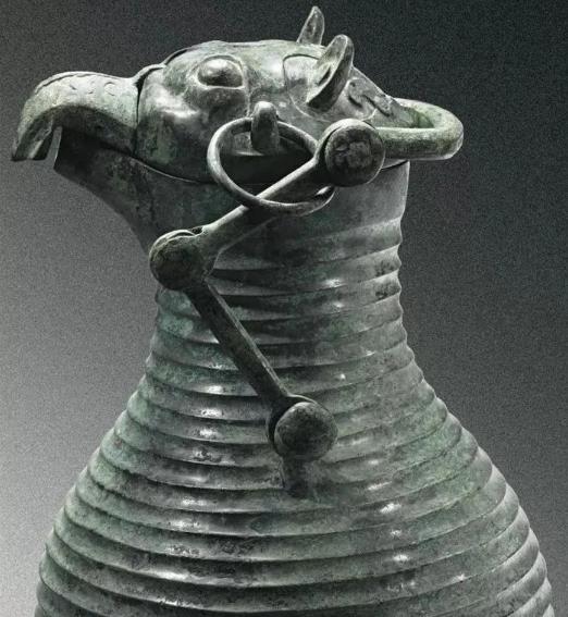 商代晚期后段青铜器的特点