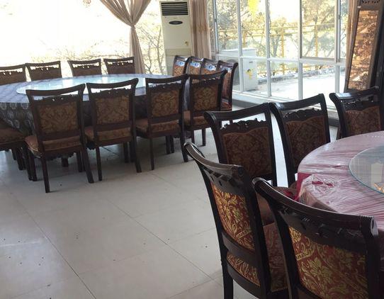 山庄餐厅环境