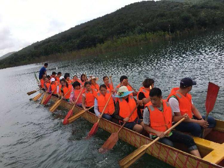 团体赛龙舟