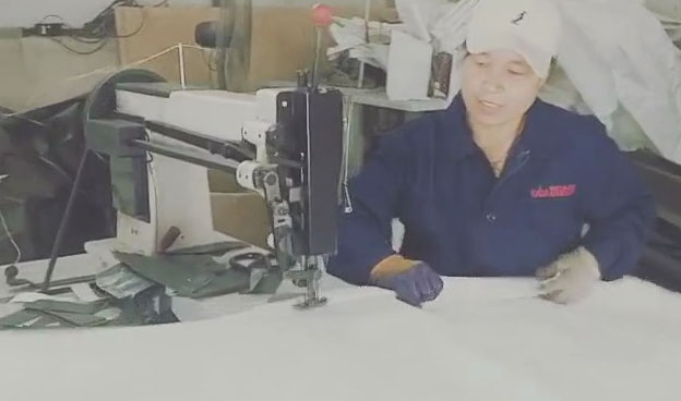 充填袋缝纫现场