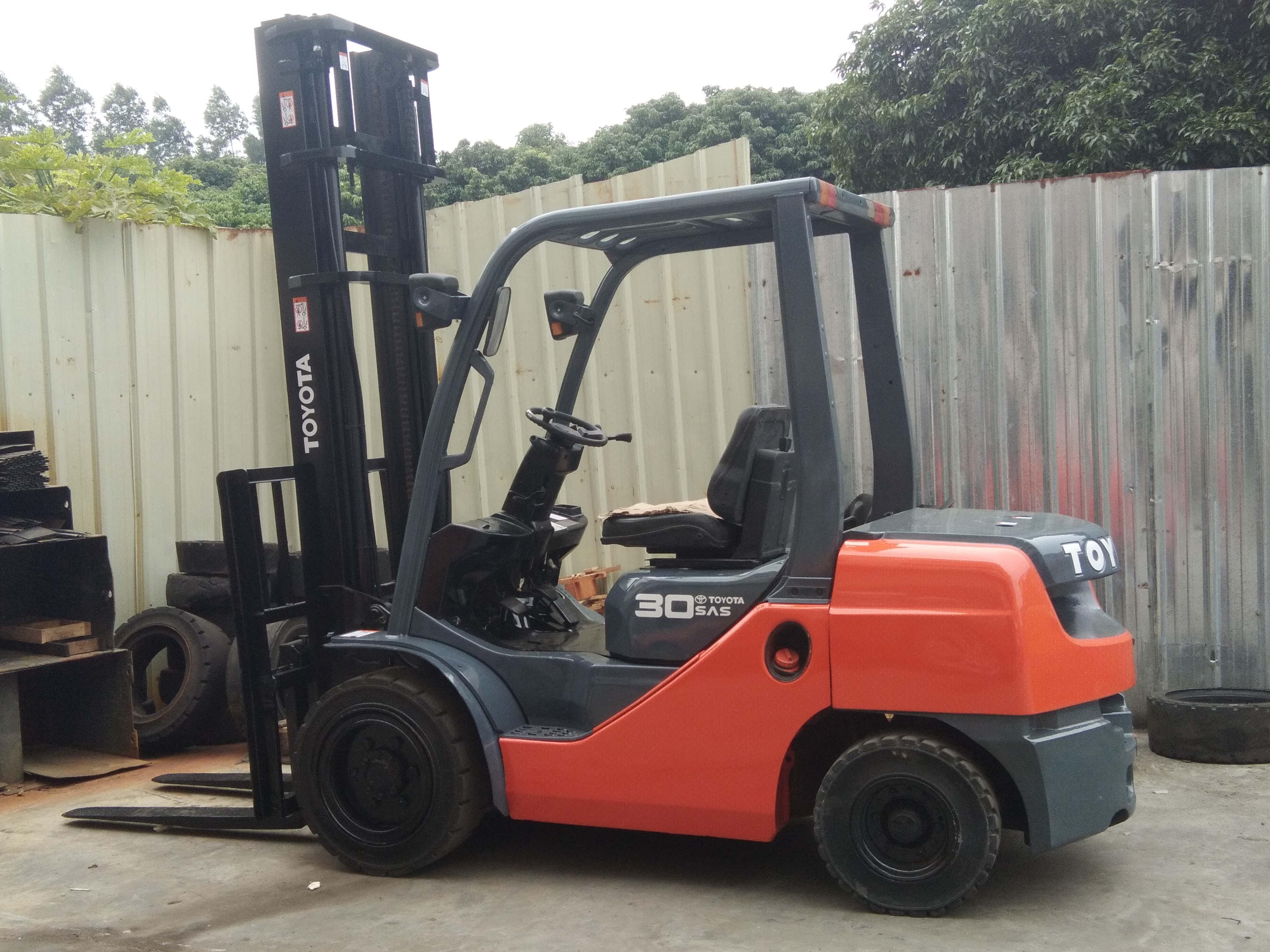 丰田 3吨柴油叉车