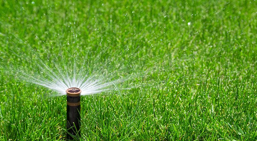 自动灌溉设备