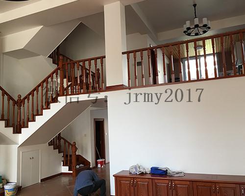 别墅木楼梯