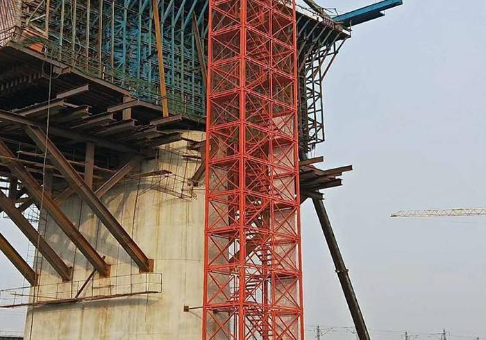 桥梁柱梯笼施工