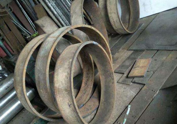钢桁架钢构件