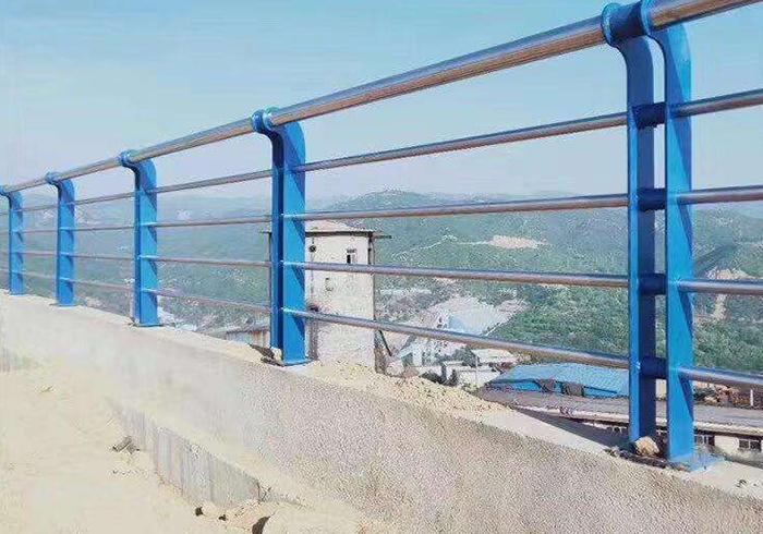 混凝土防撞护栏
