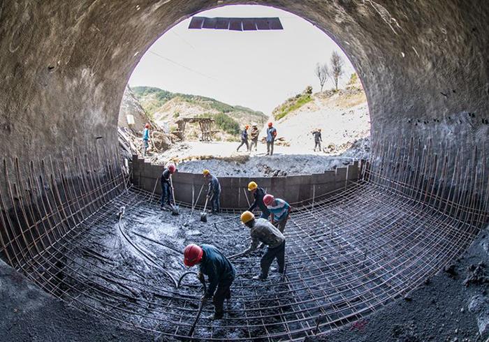 隧道洞口二衬混凝土施工