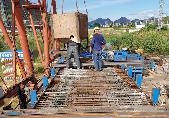 钢板形箱梁