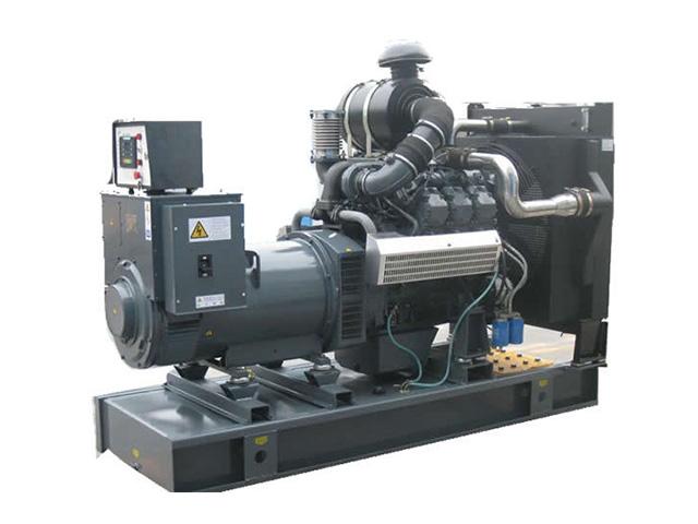 用100kw柴油发电机安装或未安装涡轮增压器对比.