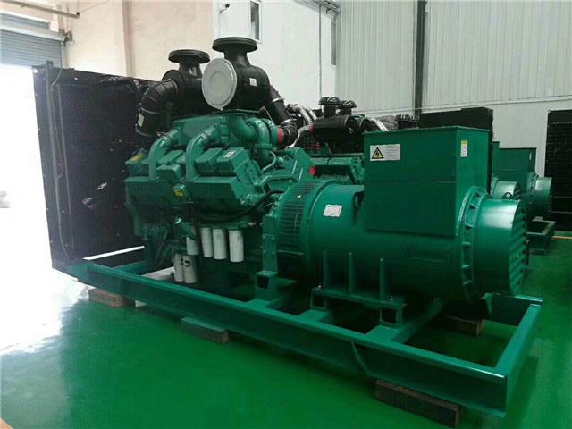 康明斯800KW柴油发电机组