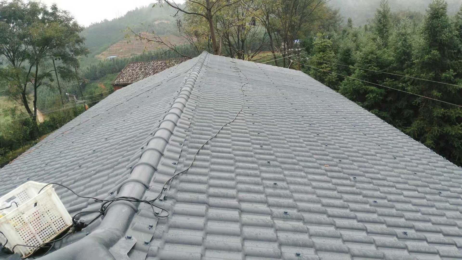 农村屋顶树脂瓦安装效果!
