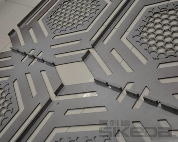 镂空雕花铝板