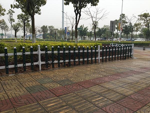 PVC草坪护栏-002