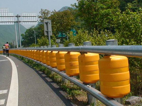 深圳旋转式护栏