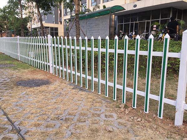 莆田城市道路草坪pvc隔离护栏