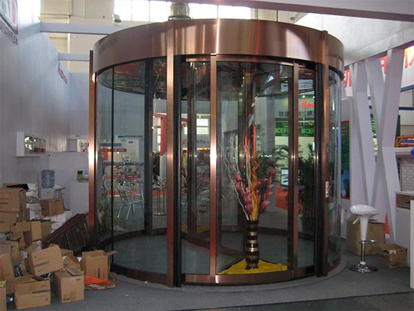 北京展會旋轉門樣品安裝