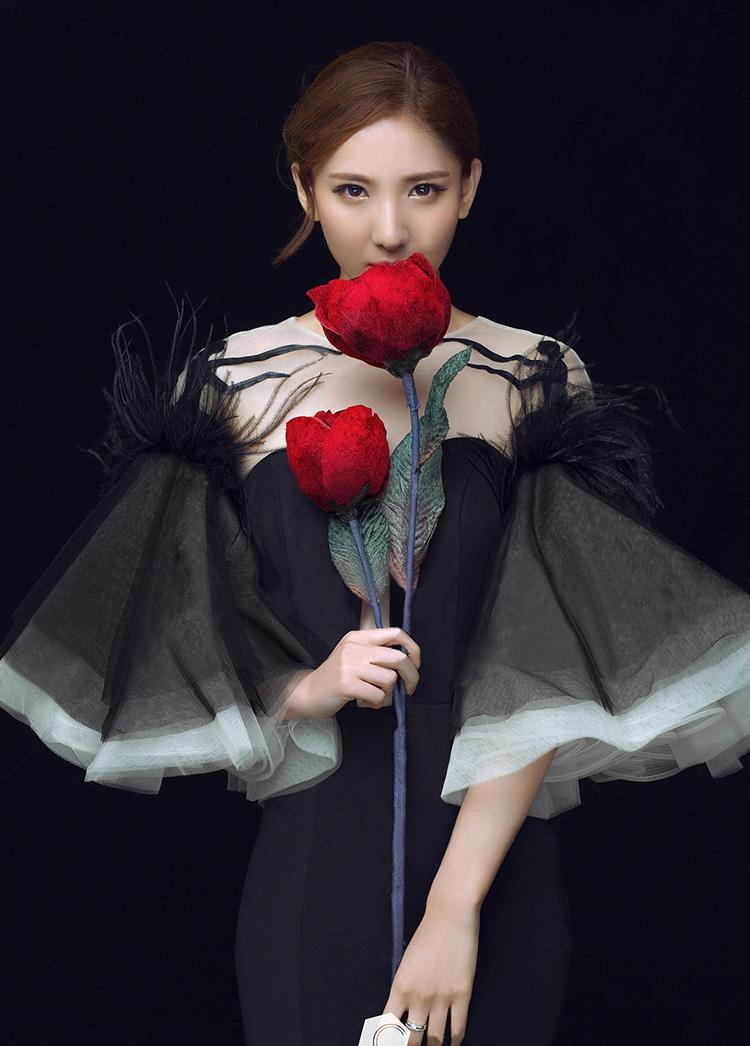 黑纱玫瑰拍拍秀