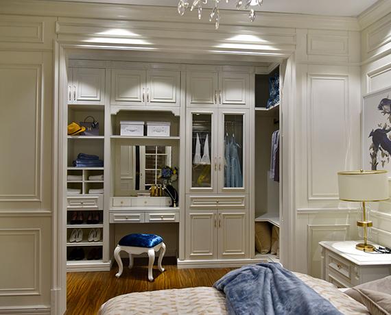 实木整体衣柜