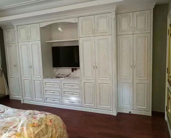 卧室衣柜电视柜组合