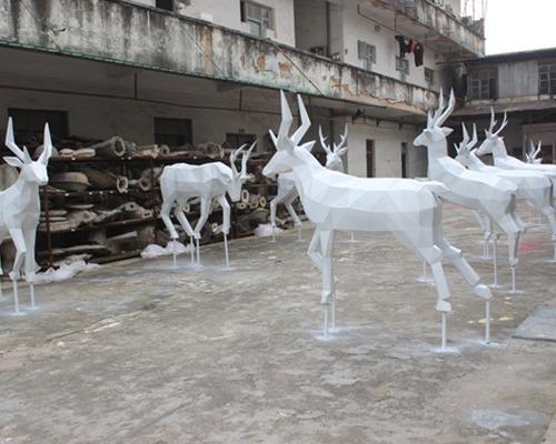 玻璃钢雕塑价格