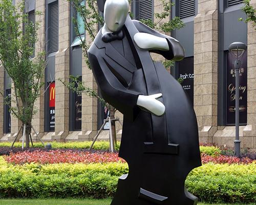 校园人像雕塑