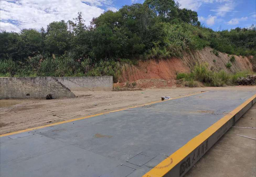闽清石子厂16米120吨地磅(旧称新配件)