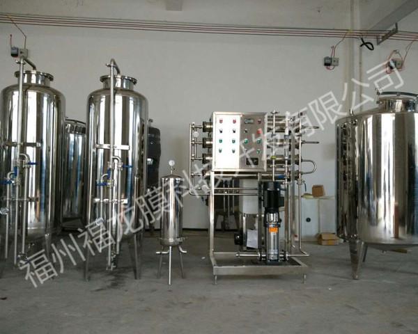 水处理设备落地式膨胀水箱结构是什么?