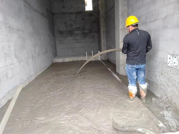 贵安学府风情地下室顶板跟首层泡沫混凝土回填