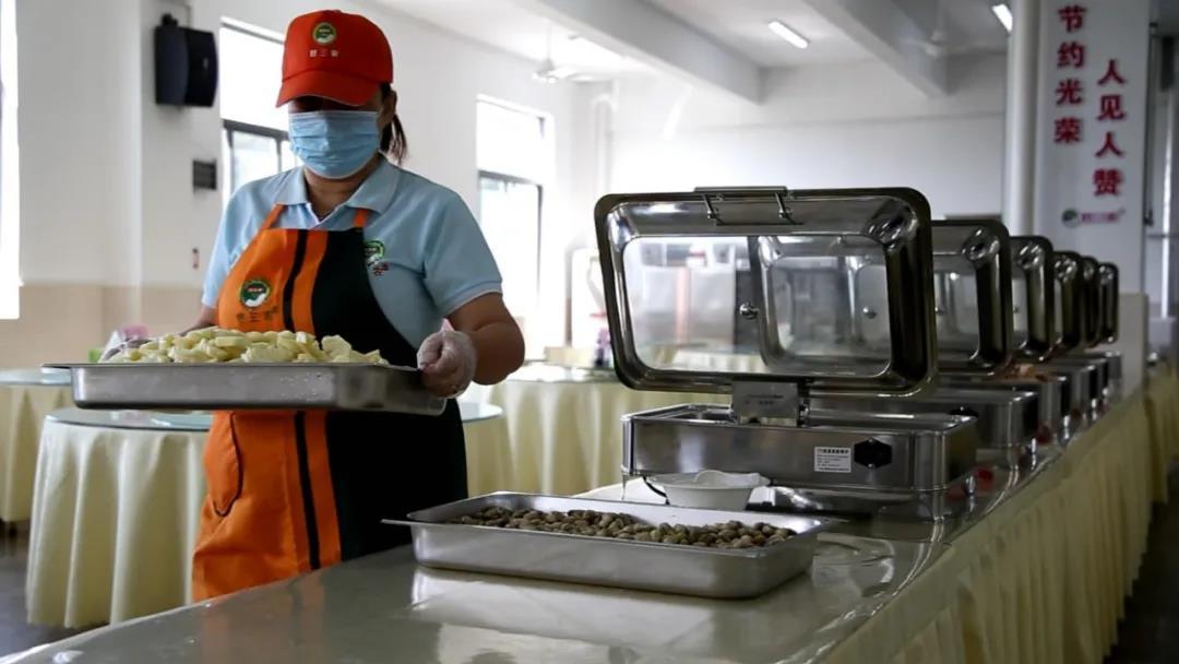 """""""好三农""""为福建省森林消防总队的比武人员提供可口的饭菜"""