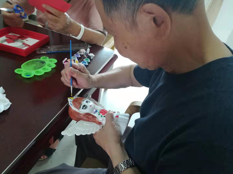 剪纸陶坯彩绘手工