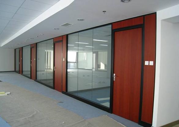 简述现代福州办公屏风隔断的设计风格