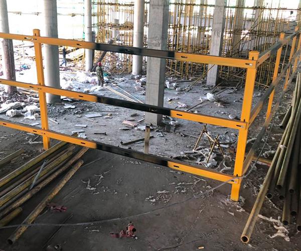 工地楼梯防护栏