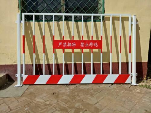 基坑临边防护栏立柱怎么连接