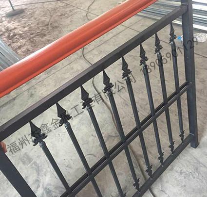 选择福建铁艺护栏安装要考虑的事项有什么呢?