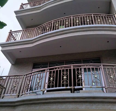 阳台铁艺栏杆的高度的选择和安装验收标准